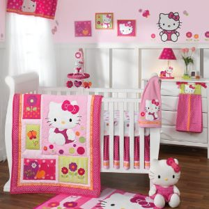 Hello Kitty 5 Piece Crib Set
